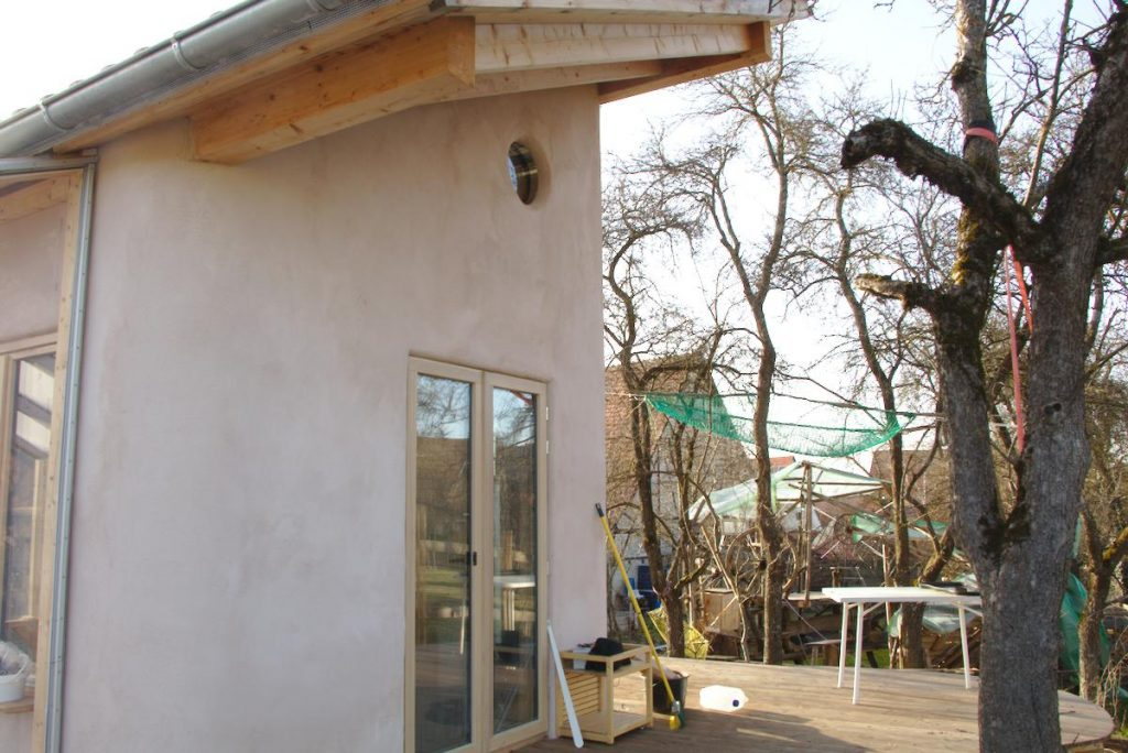 Selbstversorger Haus mit Lehmputz